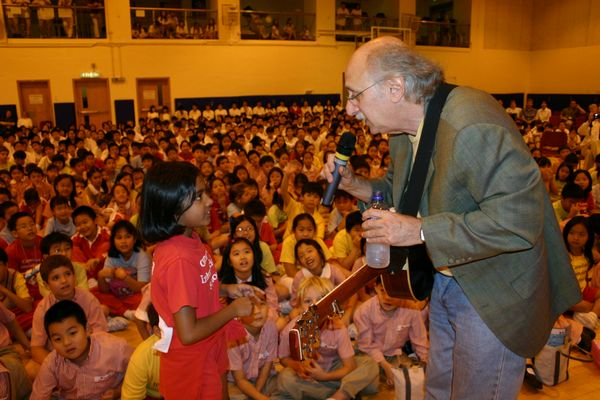 2004.11.01 - Peter Yarrow Live at the Canadian International School of Hong Kong