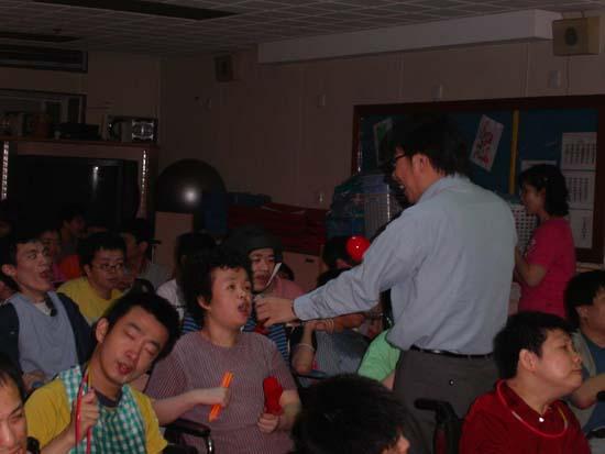 2005.06.22 - 明愛樂謙展能中心義務表演